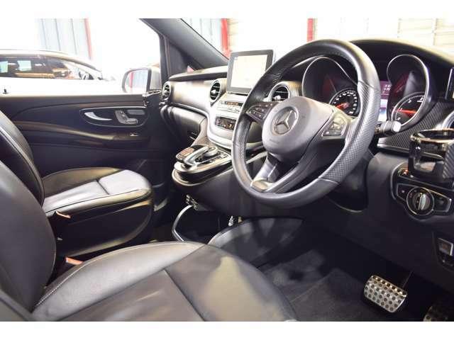AMGエアロ・AMG19インチ7ツインスポークアルミホイール・自動リアゲート・リア5面プライバシーガラス・インテリジェントライトシステム・両側パワースライドドア