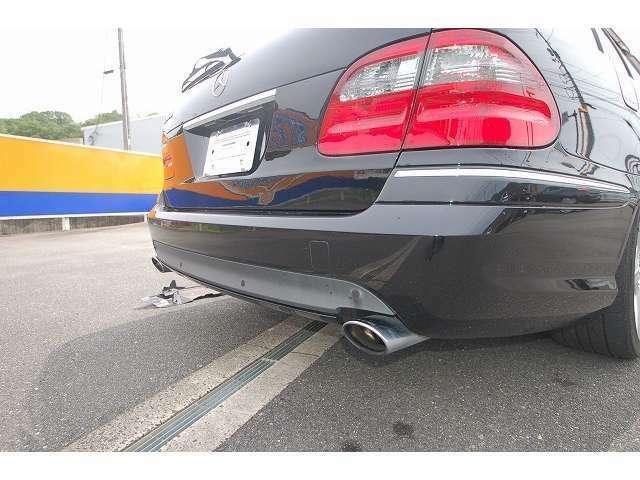 お車の外装の磨きの際にガラスコーティングも可能です。ガラスコーティングも通常or2層の選択をいただけるようご準備しております。