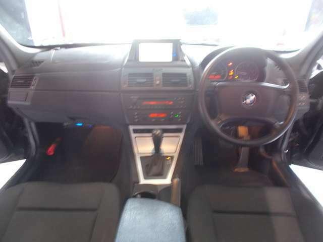純正17インチ ピレリタイヤ8分山以上 4WD ETC 電動シート 社外ナビ 記録簿 トノカバー マニュアルモード付