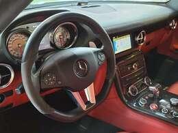 カーボンファイバドアミラー AMGライドコントロールサスペンション AMGカーボンセラミックブレーキ 19/20AMG10スポークAW