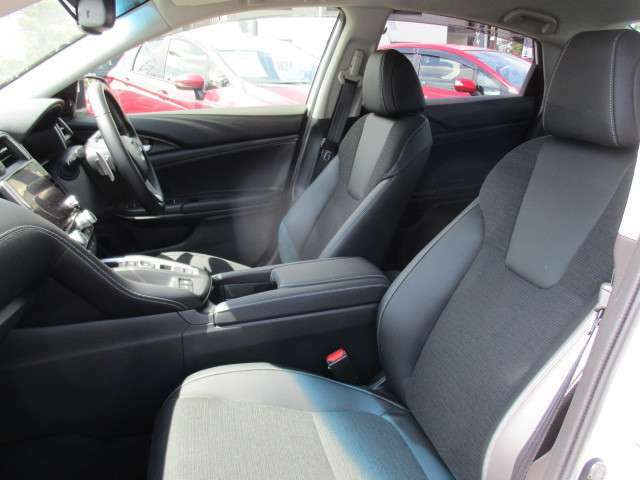 ★アームレストを装備★ 運転席には、アームレストがついてます!長距離ドライブに役立ちます!