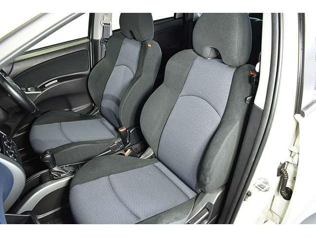 ホールド性の高いフロントシート!快適にドライブできますね!