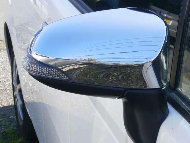 ドアミラーウィンカー付のオート電動格納式リモコンドアミラーです!