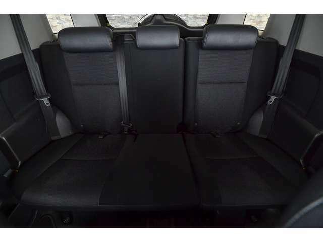 後部座席も綺麗な状態です! 大人でも乗ることが可能です!