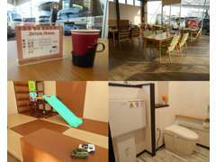 店内もカフェのような店舗を目指し綺麗に心がけています(*^^*)キッズスペースもありお子様連れのお客様も安心いただけます!