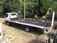 自社積載車完備です!急な事故、お車の故障など、対応可能です。