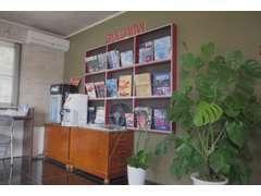 カフェのようなお気軽にご来店いただけるよう店舗作りをイメージしております。