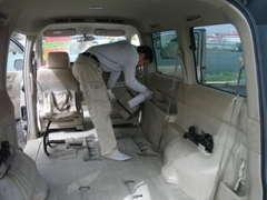 座席を外して、専門業者にて徹底的に全車抗菌ルークリ済みです!