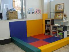 キッズスペースも完備しておりますので、お子様連れでも安心してご来店ください。