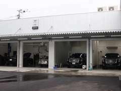 店舗隣接の自社工場を完備しております。ご購入後もお任せ下さい。遠隔地でも保証付販売&納車が可能です!!
