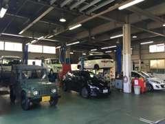 サービス工場も併設しております!車の販売だけではなく、車検や整備もプロの整備士にお任せください☆
