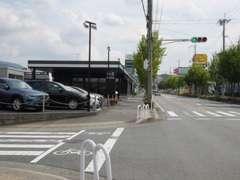 神戸の有馬街道沿い、イエローハットさんのお向かいです!中国道 西宮北ICよりすぐ!阪神高速北神戸線 五社ICより北直進3.3kmです!