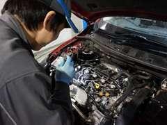 国土交通省認証の民間車検工場にて熟練スタッフがお客様の大切なお車を点検・整備致します。車のことなら何でもご相談下さい。