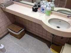 清潔感あふれるお手洗い★アメニティもご自由にご利用いただけます。
