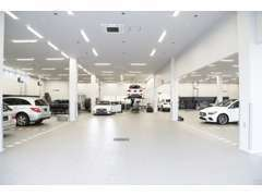 国内最大級の屋内型メルセデス・ベンツ認定サービス工場