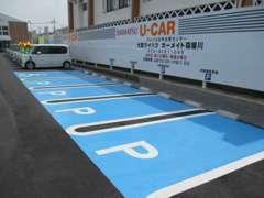 入口を入ってすぐ右に分かりやすく駐車スペースを設けています☆