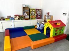キッズスペース完備!ご商談中はおもちゃでお子様を飽きさせません。お子様連れの方も安心してお越し下さい