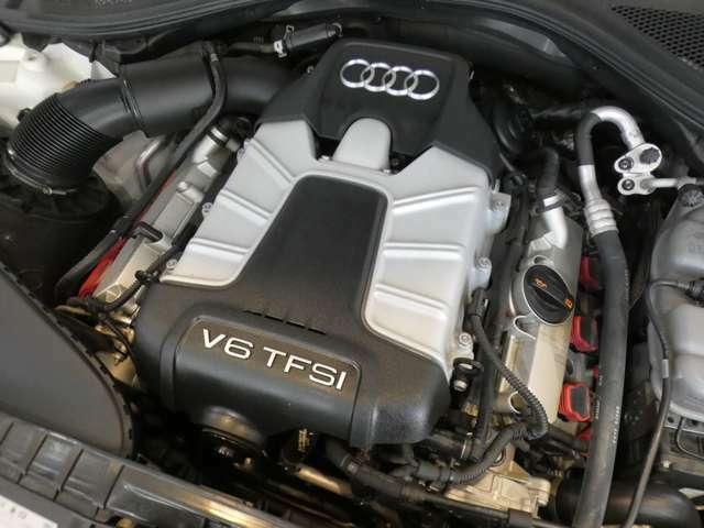 3,000CC V型6気筒DOHCスーパーチャージャー搭載エンジンです!310馬力(カタログ値)のトルクフルな加速性能が魅力です!アイドリングストップ機構も搭載しており燃費も向上しております!