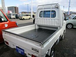軽トラックの中でも荷台のフロアの長さには自信があります!