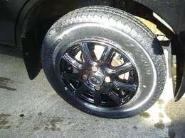 新品12インチアルミ+タイヤ付き!ボディ-色に合わせてブラックです!