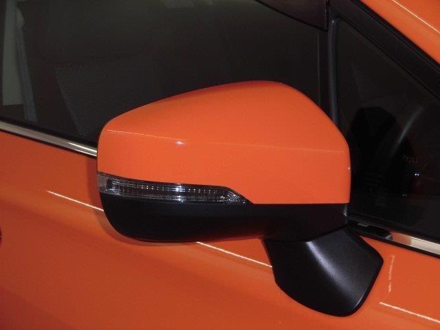 ウィンカーミラーで更にスタイリッシュで存在感もマル!対向車からの視認性アップで安全性も高まります☆