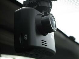 ■ 装備4 ■ 前後ドライブレコーダー:前のみが主流ですが、後方のドライブレコーダーも今はとても重要な装備だと思います。