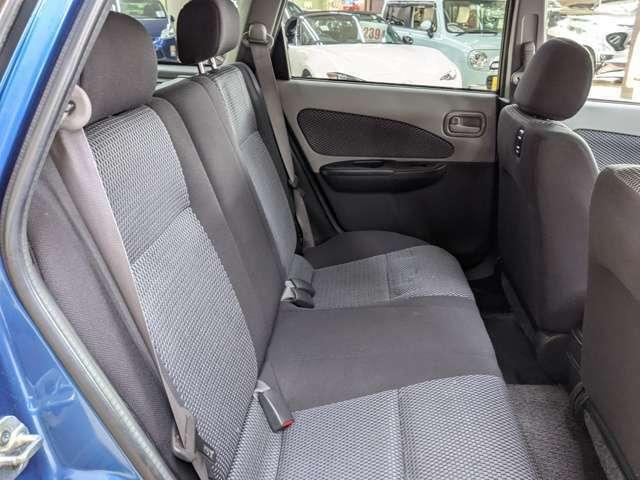 後席シート!使用感が少ないです。程度良好!