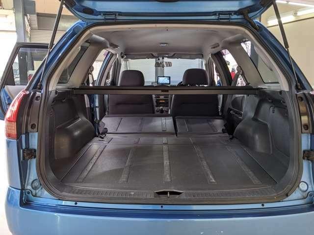 セカンドシートのシートアレンジで荷室ももっと広く確保できますよ!