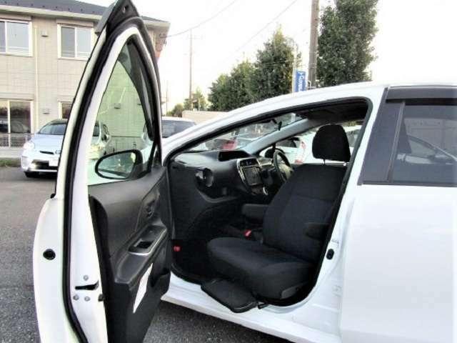 助手席回転シートです☆装備や安全機能も充実してるお車です!!