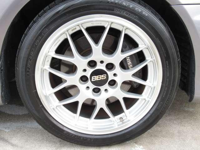BBS製17インチAW付きになります!!タイヤの残り溝はしっかりと残っておりますので、ご安心下さい^^