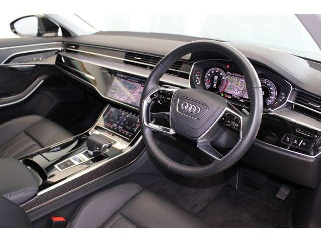 スイッチ類の配置、ハンドルの本皮、ダッシュボードの柔らかさ、内張りの接着剤など、Audiは細かなところにもコダワリがあります!ぜひご体感くださいませ!