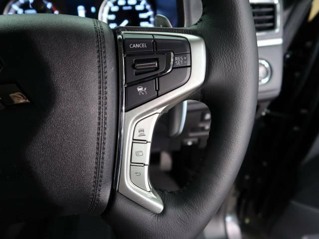 【レーダークルーズコントロール】高速道路での長距離走行が楽に!!自動で速度を保つクルーズコントロールが、衝突軽減システムと連携し、前方の車両を感知して車間を保つように速度調節してくれます!!