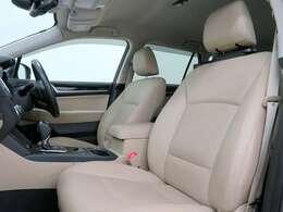 ■アイボリー本革シート/前席パワーシート&シートヒーター/納車時には除菌や消臭に効果のございます当店オリジナルのオゾンクリーニングを施工致します!