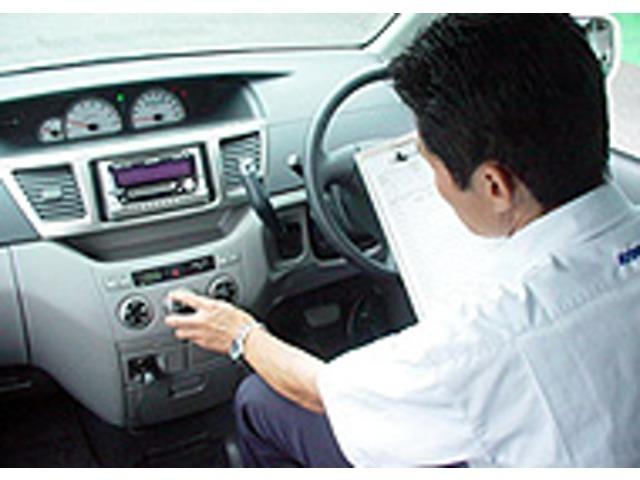 Bプラン画像:ご成約からお手元に届くまで☆1.売約車チェック入庫の時に「入庫検査」を受けている車両ではありますが、展示中に変化することも考えられます。そこでご成約をいただいたお車はもう一度検査を受けます。