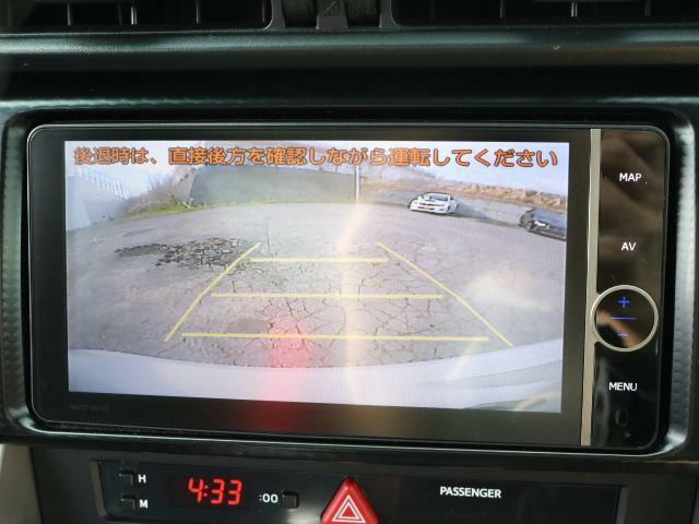 バックカメラ装備!!駐車が苦手な方もカメラがあるので安心ですよ!!