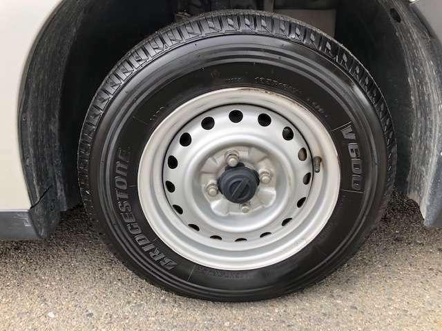 タイヤは4本たっぷりです!