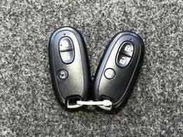 《インテリジェントキー》キーを出さずにドアロックの開閉からエンジン始動まで出来るインテリジェントキー★ワンタッチで簡単便利