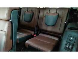 サードシートは電動で収納可能!!2列目、3列目をアレンジすれば広々スペース!!