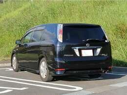 ◇外装状態:運転席ドアミラーとリアルーフスポイラー上面に色褪せがございます。目立つキズやヘコミはなくとても綺麗なお車です♪