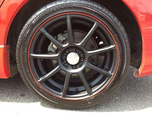 RAYS製17インチアルミホイール&夏タイヤを装着してます。