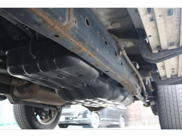 堅牢なラダーフレームに、パートタイム式4WD!劣悪なダメージや錆も見受けられません!
