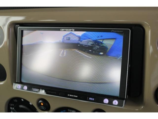 あると嬉しい純正SDナビ装備!バックカメラも付いており、車庫入れも安心ですね!