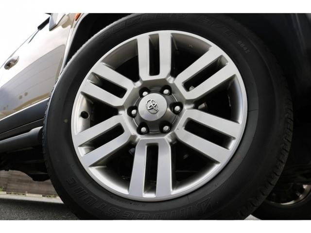 純正オプションの20インチAWにブリジストンデューラータイヤが装着されております!