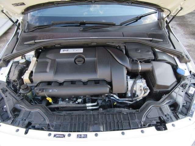 エンジン出力は、オリジナル―>ポールスターPGに出力アップ。スロットルレスポンスやギヤシフトスピード、AWDのトルクコントロールまでアップグレード