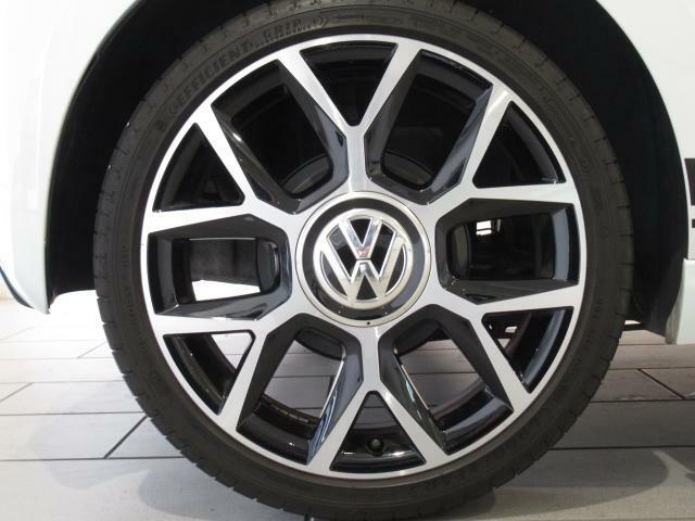 厳しい品質チェックをクリアしたお車だけがVolkswagen認定中古車となりますので、ご安心ください。