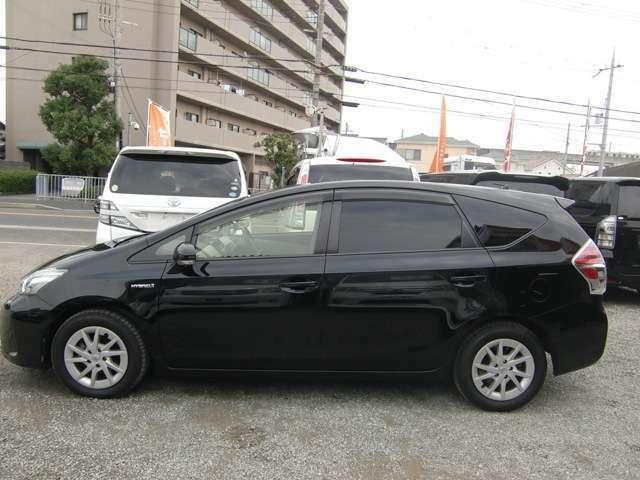 泉佐野市のミニバン専門店♪人気のミニバンや低燃費ハイブリッド車を中心に店長セレクトの特選車を展示しております♪ぜひ他の車両も当店在庫ページよりチェックして見て下さい♪