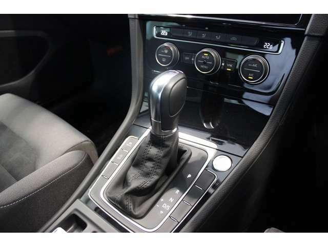 「試乗」展示車両に試乗いただくことにより、乗り心地やドライビング性能もご確認いただけます。(※ナンバー付車に限ります。)