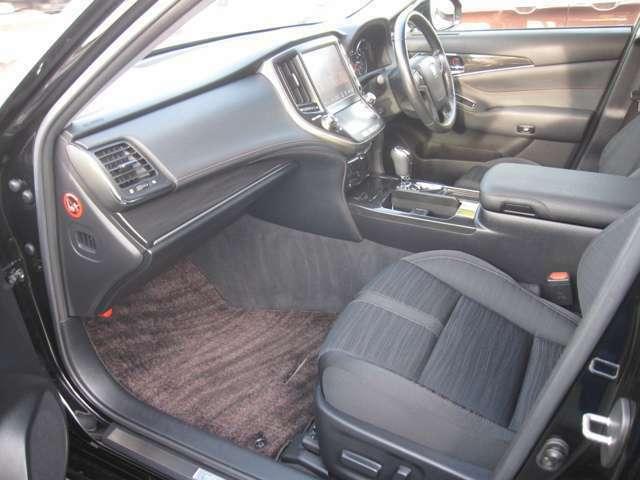 たくさんのラインナップから、お客様が乗りたいお車が見つかるお手伝いをさせて頂きます。