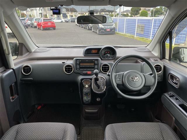 気になる車はすぐにお問い合わせください!画面右側の0078から始まる無料ダイヤルからお問い合わせ下さい!専門スタッフがお車のご質問にお答えいたします!