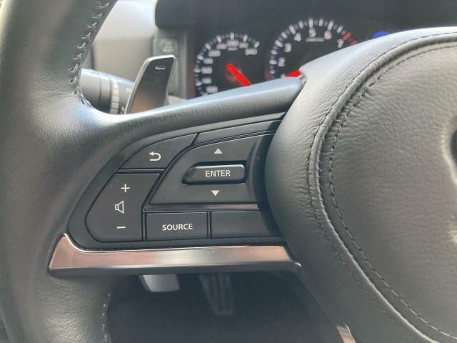 ステアリングスイッチ機能で安全にかつドライビングをより楽しんでいただく事が出来ます!